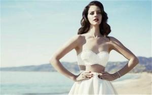 Lana-Del-Rey-Honeymoon-690x434