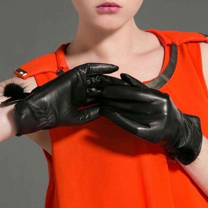 leather gloves 2